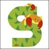 Dans l'alphabet, M est _____ S.