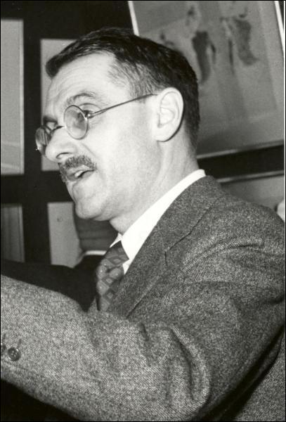 Il a écrit 'le Bal des voleurs' ainsi qu'une version moderne du mythe d'Antigone.