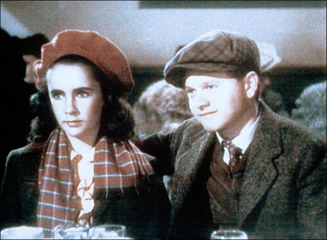 Avec quel immense acteur joue Elisabeth dans ce film ?