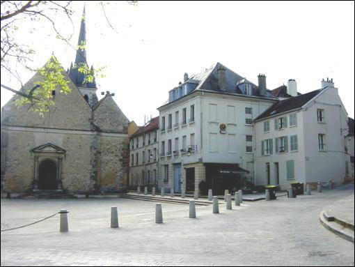 Comment appelle-t-on les habitants de la ville de Jouy-en-Josas dans le département des Yvelines ?
