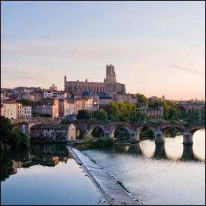 En 2010, quelle ville du Tarn a vu inscrire sa Cité épiscopale au patrimoine mondial de l'Unesco ?