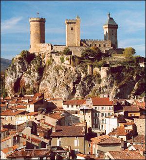 Quelle ville est le chef-lieu du département de l'Ariège ?