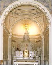 Où cette Sainte sitée plus haut a-t-elle eu cette célèbre apparition ?