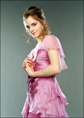 Avec qui danse Hermione au bal ?