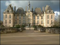 Un autre château remarquable, du XVIIe où aurait séjourné le célèbre ' Prince Noir ' , est...