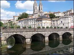 Chef-lieu du département, capitale des Mutuelles, porte de la Venise verte , c'est...