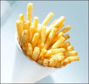 On doit manger des frites et des pâtes tous les jours.