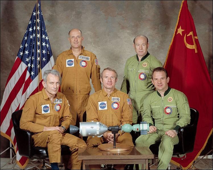 Le premier rendez-vous d'équipages américano-sovétique dans l'espace a eu lieu en quelle année ?