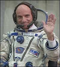 Il est, depuis le 28 avril 2001, le premier touriste de l'espace. Quel est son nom ?