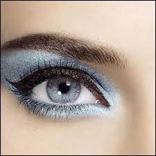 Que vous inspire ce maquillage sur les yeux ?