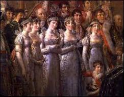 On aperçoit sur le tableau les 3 sœurs de Napoléon, chargées de porter la traîne de l'impératrice. Lequel de ces prénoms ne correspond pas à l'une de ses soeurs ?