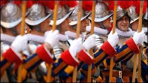 Bon à toi ! Lance le dé ! ... 4 ! ... Question Arts et Littérature : Qui a dessiné l'uniforme des gardes suisses du Vatican ?