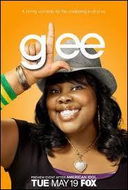 Quel est le prénom de la fille noire qui a une superbe voix ?