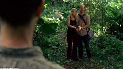 Episode 11, Les démons intérieurs : qui enlève Claire et Charlie ?