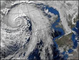 Le sens dans lequel tournent les dépressions et les cyclones est dû à la rotation de la Terre. Quelle force entre en jeu ?