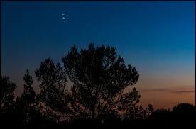 Comment peut-on repérer les planètes dans un ciel nocturne ?