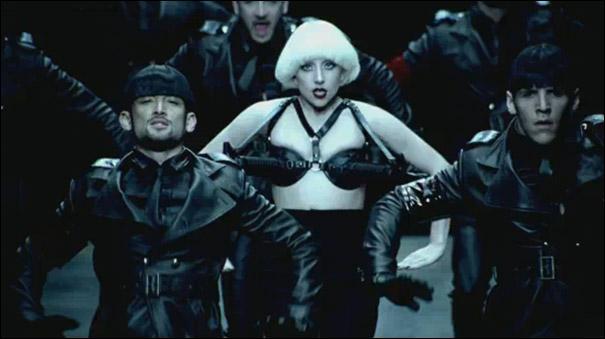 Dans cette image, quelle est la chanson qui est représentée ?