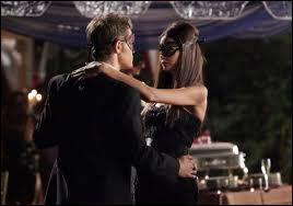 Qu'arrive t-il à Katherine lors du bal masqué ?