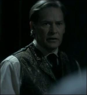Comment s'appelait le père de Damon et Stefan ?