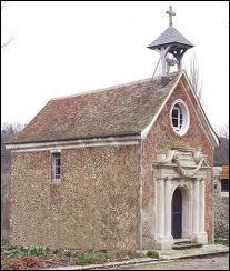 Comment se nommait le lieu de culte, à l'intérieur du château ?