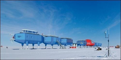 Le Japon possède des stations en Antarctique.