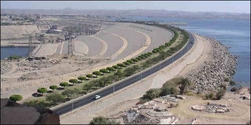 Dans quel pays se trouve le barrage d'Assouan ?