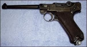 Quelle est cette arme de poing allemande ?