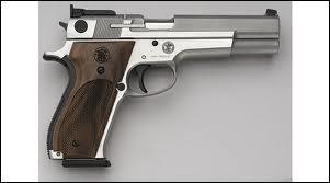 Quelle est cette arme de poing américaine ?