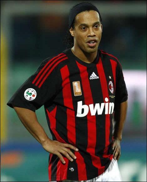 Dans quel club était Ronaldhino avant d'aller à Flamengo ?