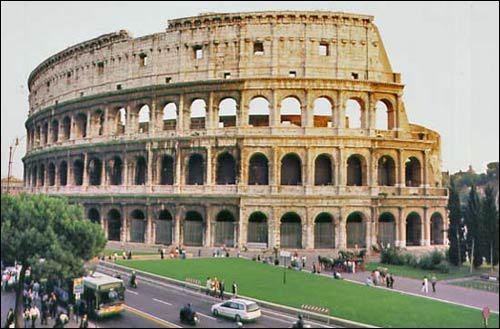 Quel est ce monument italien, Nouvelle Merveille du Monde, construit sous Vespasien ?