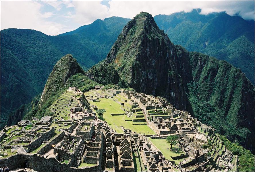 Quel est ce monument inca, Nouvelle Merveille du Monde, considéré comme le chef-d'oeuvre de l'architecture inca ?