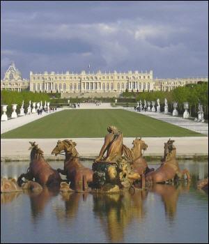 Quel est ce monument qui fut la résidence des rois Louis XIV, XV et XVI ?