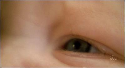 A qui est cet œil ? (facile)