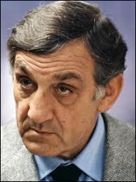 ''Je vous en cause du souci hein Monsieur Milan ? '' Quel chanteur prononçait cette phrase dans un film culte ?