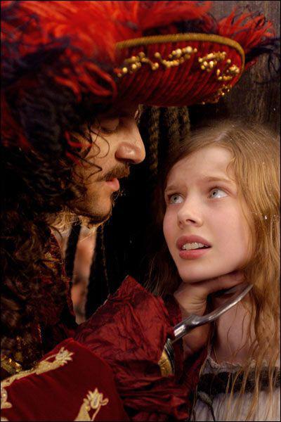 En se fachant avec Peter, elle se retrouve avec les pirates. Quel est son surnom ?