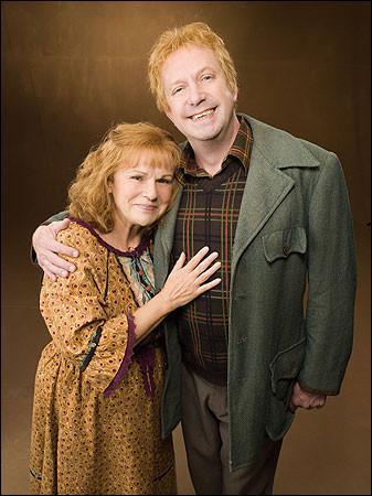 Comment s'appellent les parents de Ron ?