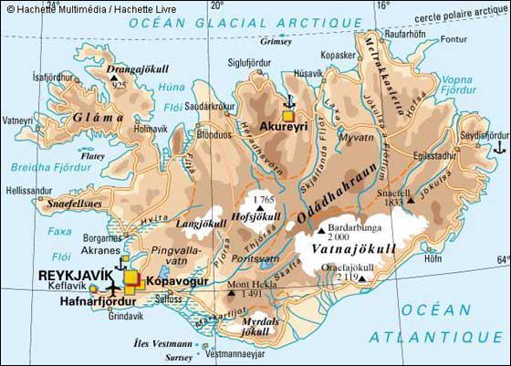 A quelle latitude se situe l'Islande ?