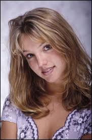 Quel est le premier disque de Britney Spears en 1999 ?