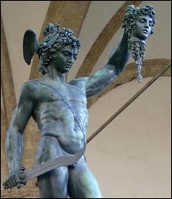 Persée, fils de Zeus et d'une mortelle, chevaucha Pégase afin de délivrer Andromède menacée par un monstre. Quel est son nom ?