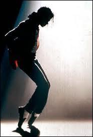 Quel pas de danse a rendu la star célèbre ?