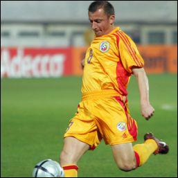 L'Otelul Galati a remporté le premier titre de champion de Roumanie de son histoire. L'équipe est coachée par une légende du football roumain, ce milieu défensif aux 134 matchs internationaux…