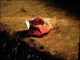 La pierre que Voldemort veut voler est la pierre ...