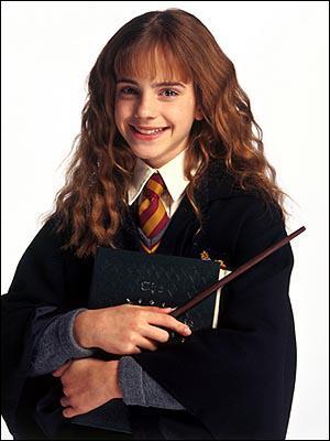 Hermione adore se rendre ...