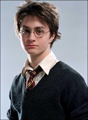 Harry est l'ennemi de...