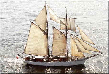 Plusieurs navires ont porté le nom de 'Belle Poule'. L'un deux, lancé en 1834, est resté célèbre pour avoir :