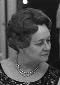 Yvonne De Gaulle décède le 8 novembre ...