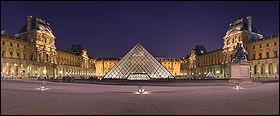 L'inauguration du musée du Louvre eut lieu le 8 novembre ...