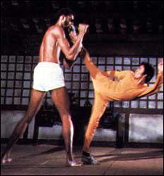 Dans 'Le jeu de la mort' comment s'appelle Bruce Lee ?