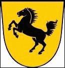 Deux marques très conccurentes ont, par pur hasard, exactement le même cheval sur leurs logos, il s'agit de...
