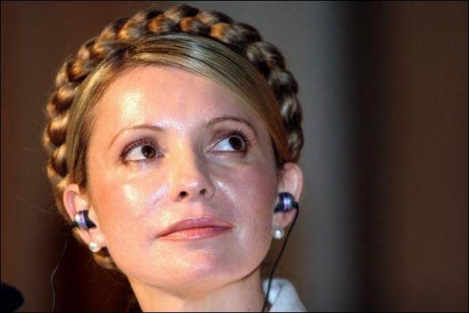 Il n'y a pas beaucoup de femmes révolutionnaires mais il en est une très belle : Ioulia Tymochenko (1960-....). Dans quel pays mena-t-elle la révolution orange avec Viktor Iouchtchenko (1954-....) ?